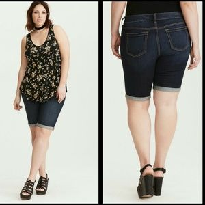 Torrid Shorts Skinny Bermuda Dark Wash Sz 12